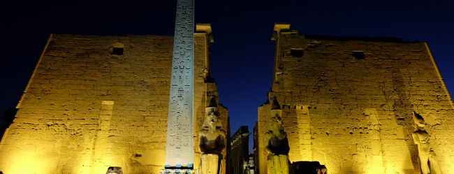 エジプト ギザプラミッドとナイル川クル...