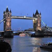 プラハ&ロンドン旅行 �ロンドン観光その2(2日目) 大英博物館と雨のロンドン塔&タワーブリッジ、そしてホテルでの年越し(2013-14年末年始)
