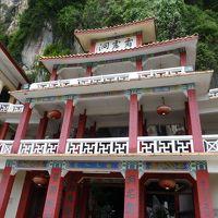【2014年マレーシア】1-2 イポーで洞窟寺と大きなポメロ