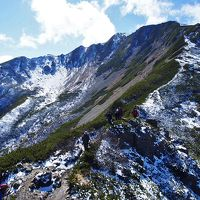 3,000mの頂きは冬の装い / 南アルプス・仙丈ケ岳