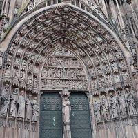 ライン・アルザス旅行17‐ノートルダム大聖堂,タベルネカテドラルで昼食,ロアン宮装飾博物館へ