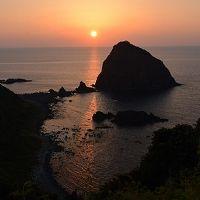 茜色に染まる日本海。夕陽の美しい粟島探訪記