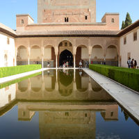 アンダルシアの街々を訪ねる旅(グラナダ編) ?イスラム文化の美にふれる旅?