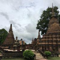 10月連休にタイへ世界遺産を見に行く �スコータイ遺跡満喫前編 空港到着から翌日城壁内遺跡を見て大雨に遭うまで