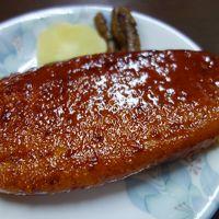 名物の「おかめ五平」を食べに60年ぶりの鳳来寺山に。