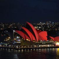 赤のシドニー�新年好!万事如意!あの日、キミは「赤」のオペラハウスを見たか。
