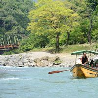 新緑の京都、定期観光バスで行くトロッコ列車と保津峡川下り