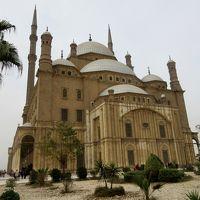 エジプト カイロの街並とモスクと考古学博物館