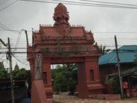 プレー朝市見学の後に向かったシーサチャナライ遺跡への道  2017年タイーミャンマーの旅7
