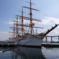 新湊 きっときと市場で昼食と 帆船海王丸見学