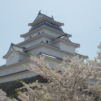 春の会津若松市街 �