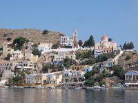 2017年 ギリシア旅行 ロードス島から高速船で40分の所にあるシミ島 そこには美しい家並みと素晴らしいビーチがあります