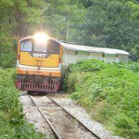 タイ滞在53時間の弾丸旅行。 カンチャナブリまで行って、♪猿・ゴリラ・チンパンジー〜のクウェー川鉄橋を見て、泰緬鉄道に乗ってきた。 バンコクでは Line Friendsに会えた。