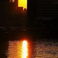 横浜-8   汽車道=散策路:夕陽*運河を照らす日 ☆貿易立国の近代化産業遺産!