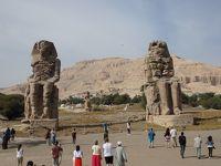 Colossi of Memnon & Felucca(Luxor �)メムノンの巨像とファルーカ船 2017年12月24日ルクソール�