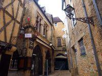 《2017〜2018年末年始 暖冬のフランス 《3》 サルラ・ラ・カネダ 魅せられた 中世の街並み