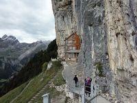 アッペンツェルカードでエベンアルプ☆洞窟教会、崖下の山小屋エッシャーへ! 秋の風物詩ドイツ・スイスの旅6-1