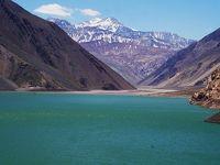 サンチアゴ郊外のアンデス山脈に隠れた湖 エンバルセ・エル・ジェソ (Embalse El Yeso, getaway around Santiago)