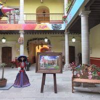 メキシコ� Volarisエアでグアナファト(BJX)へ。メキシコ中央高原の3Dおとぎの国は夜、音楽隊が出没