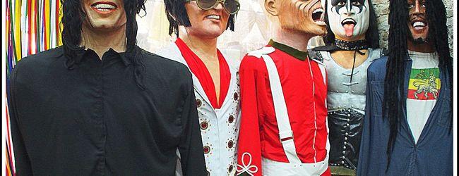 人形カーニバルで有名な古都:オリンダの...