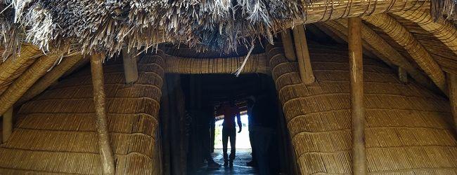 カスビのブガンダ王国の王墓(ウガンダ)...