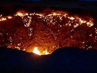 ヒヴァから陸路で国境越えて地獄の門へ