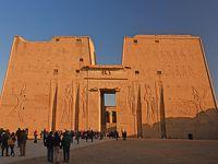 2018冬のエジプト旅行(5)−ナイル川クルーズ3日目観光(ホルス神殿&コムオンボ神殿)−
