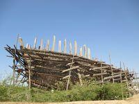 インド・2018年春の旅(14)           木造船の造船所を見る