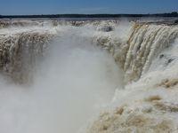 リオのカーニバルと絶景の南米浪漫周遊13日間�大迫力のイグアスアルゼンチン滝とサンバのお姉さま編