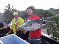 再び!UA特典航空券でクック諸島ラロトンガへ�マグロ捕ったドー!綺麗な海を満喫・地ビールメーカーが増えていました。