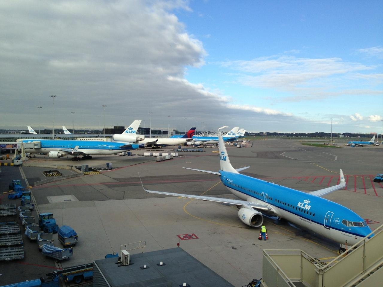2013.10 パリ(1)KLMオランダ航空でスキポール空港で乗り継ぎ シャルル・ド・ゴール空港に到着