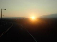 ハワイ島(13)マウナラニから臨むマウナケアのサンライズそして美しいポロル渓谷へ