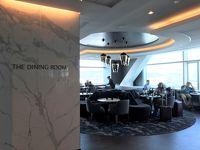 ANAファーストクラスで行くサンフランシスコ● SFOのラウンジ&免税店編 サンフランシスコ国際空港にはANAファーストクラス&ビジネスクラス&スタアラゴールドで利用できるユナイテッド航空のラウンジがいくつかありますが、お薦めはオープンしたばかりの『United Polaris Lounge(ユナイテッド・ポラリス・ラウンジ)』☆彡 【The Dining Room(ザ・ダイニングルーム)】の食事メニューは朝食、ランチ&ディナーに分かれます♪