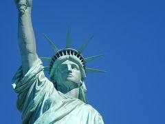 ビジネスクラスで真夏のNYへ 世界一の大都会母娘の珍道中〜自由の女神〜ウオール街〜9/11メモリアル〜ブルックリン橋を歩いて渡る〜メイシーズでお買い物�