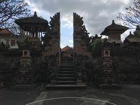避暑地インドネシアへ〜8月6日(月)、地震で崩れたのか元々なのか。がたがた道のウブドを歩く。〜