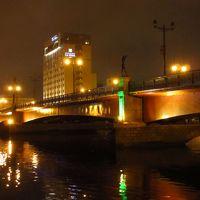 夜の幣舞橋と釧路市街を歩く