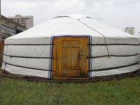 【モンゴル】定住化が進む遊牧民、ゲルがあれば家買う必要なし。ゲル地区散策。