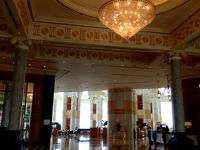 優雅で不自由な国、ブルネイ 3.七ツ星ホテルでナシゴレン