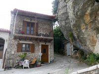 2018.8ギリシアザキントス島,ペロポネソス半島ドライブ旅行28-Dimitsana散歩2 時計塔と2つの教会