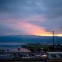 名古屋までは中央道を経由して移動。諏訪湖サービスエリアで夜明けの休憩。夜明けの紫色ってキレイですよねえ。