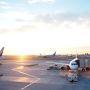 空港で迎える日の出。幸せ。