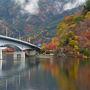 河口湖付近は紅葉真っ盛り。湖畔北側の美術館通りのもみじ回廊では紅葉祭りが行われている。河口湖の紅葉といえば、やはり富士山とのコラボだが、今日も富士山は見えない。富士山がない河口湖の紅葉は画竜点睛を欠くし昨年訪れたので、今回はパス。 甲府に向かう。