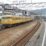 ●JR尾道駅ホーム@JR尾道駅  岡山方面の電車が行きました。 マスタード色の電車(笑)。