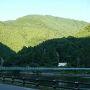 奈良田に到着。車1台を大門沢登山口に回します。