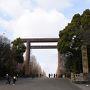 8:55 飯田橋駅から徒歩15分靖国神社に到着。  靖国神社も桜は見事ですが、今日はパスして隣の千鳥ヶ淵公園へ。