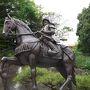 松山城初代城主、加藤 嘉明の銅像です。 かっこいいですね!