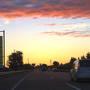 8/13 日曜日。 11日から始まった帰省ラッシュは、もうそれほどひどくはないのでしょうが、 念には念を入れて朝方3時に出立。  真っ暗な空が明るくなってきて、雲が朝日に照らされていく。