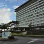 近江八幡の市営小幡観光駐車場から車で20分ほどだったと思います。 予約していた琵琶湖マリオットホテルに到着。 チェックインの客も複数いましたが、受付も数名のスタッフさんで対応してくれていたので待たされることはありませんでした。