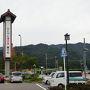 土曜の午後に新潟を出発し、荒川胎内で日本海東北自動車道を下りて、関川を通るR113で山形市へ向かいます。 関川村の「道の駅 関川」で一休みします。
