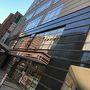 八王子までは、羽田からのシャトルバスを利用、片道1750円也。シャトルバスの停留所からほど近くにあるホテル、R&B。1Fにはコンビニも各種あり、かなり便利。京王八王子駅からもものすごく近い。本当に立地良かったです。